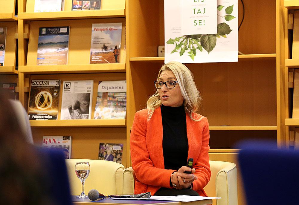 """Poduzetnički inkubator VPŽ d.o.o. sudjelovao na predavanju na temu """"Europa pred vratima Vaše tvrtke"""" u Gradskoj knjižnici i čitaonici u Virovitici"""